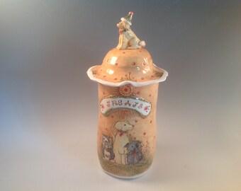 Dog treat jar//doggie treats/pottery jar/canister/doggie treat jar/yellow lab/dogs/dog art/kitchen canister