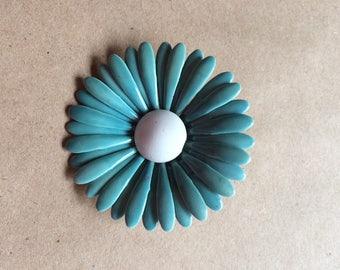 vintage 1960's 60's brooch / flower pin / flower brooch / powder blue enamel brooch / daisy pin