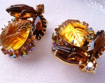 DeLizza and Elster clip earrings golden brown scarab | verified D&E Juliana | unsigned designer vintage jewelry | 1960s