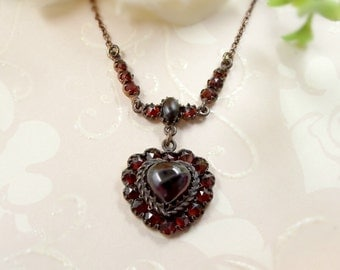 Vintage garnet cabouchon heart necklace in Victorian style // ГРАНАТ CY9H50 E#PK