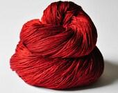 Blood queen - Silk Lace Yarn - Knotty skein