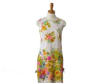 50% half off sale // Vintage 60s FLOWER Power Sun Janet Lynn Dress - Women Small - Floral Pattern, mod