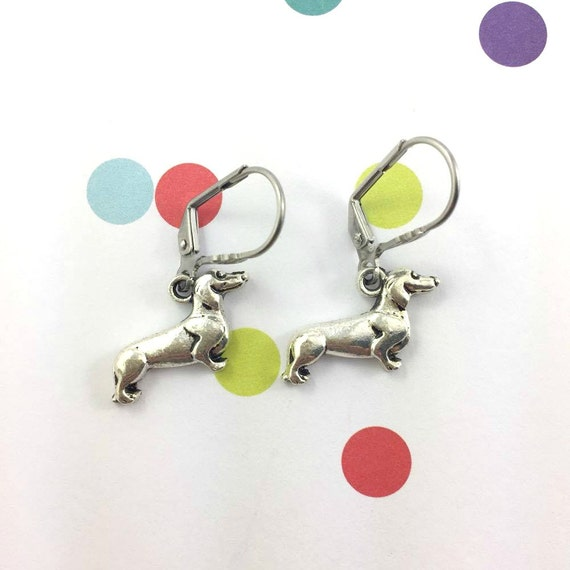 little light teckel dog silver metal earring charm on hypoallergenic stainless steal hook, les perles rares