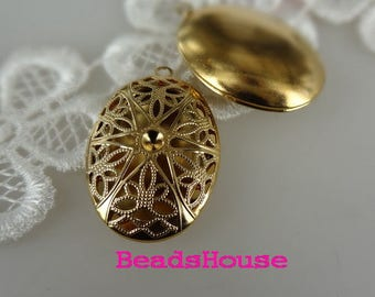 LK-100-32G  2pcs (25 x 35mm) Golden Plated Brass Filigree Oval Locket, Nickel Free