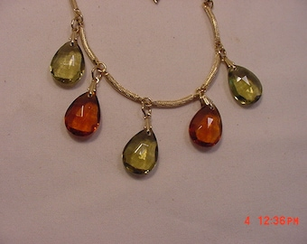 Vintage Sarah Coventry Burgandy & Green Glass Necklace  16 - 736