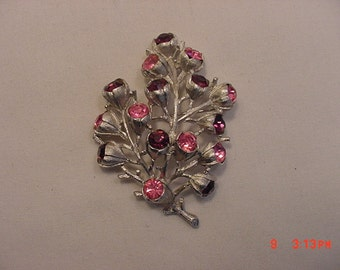 Vintage Sarah Coventry Pinks Rhinestone Brooch  17 - 96