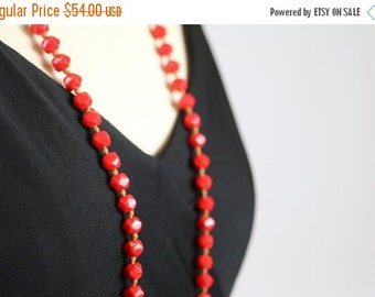 SALE 1920s Necklace / Flapper Necklace / Flapper Dress Necklace / Czech Glass / Deco Red Necklace 20s Jewelry Glass Faceted Beads Hand Knott