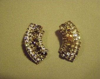 Vintage Hattie Carnegie Signed Silver Rhinestone Huggie Clip Earrings Sparkling 8918
