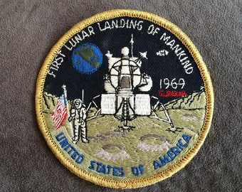 1969 Space Badge First Lunar Landing of Mankind 1969 Astronauts on Planet Space Capsule on Moon Souvenir Patch Apollo 11 Memorabilia NASA