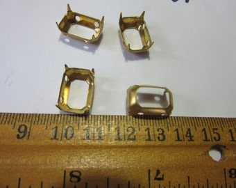 10  pcs of gold plated 16x14mm?? rhinestone  settings w drop , A 440,  Rare  vintage USA manufactured