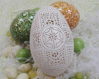 Hand Carved Victorian Lace Goose Egg: Full Floral Cross Pattern