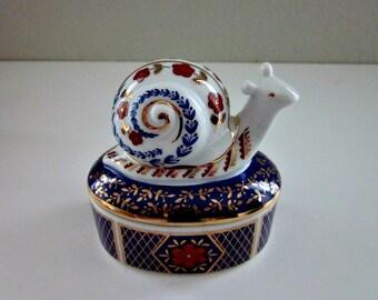 Vintage Porcelain Snail Box, Imari Ware Style Trinket Box - Collectible - Keepsake Box With Snail Lid  - Hand Painted Jewelry Box - Bobann23