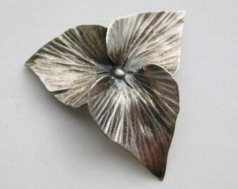 Vintage Sterling Silver Nye Trillium Flower Blossom Brooch Pin