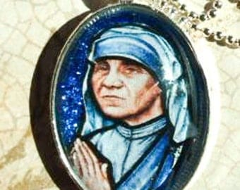 St. Teresa of Calcutta glass pendant