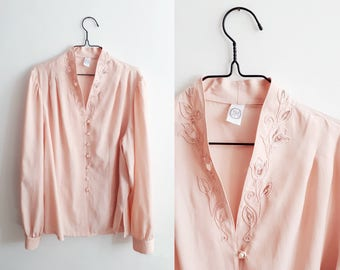 Powder pink silky blouse with embroidered neck and pearl buttons - 1980