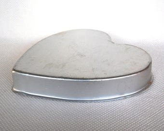 Very Large Vintage WILTON Aluminum Heart Shaped Cake Pan Wilton 502-1298 Large Heart Shaped Pan