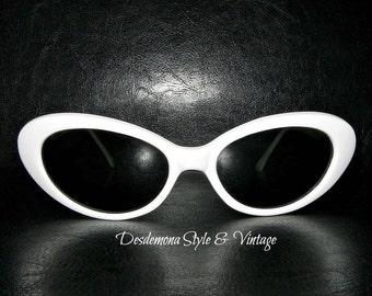 Vintage unworn 1990s retro repro 1950's white Cat Eye Sunglasses Cobain Rockabilly Kitsch cats eye mad men 80s pin up burlesque