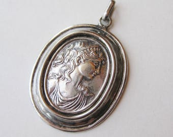 Vintage Italian Fine Sterling Silver Oval Cameo Necklace Pendant