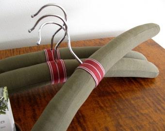 Padded Men's Hangers, Padded Hangers, Sage Italian Wool Hangers, Men's Clothing Hangers, Wool Padded Hangers, Olive Hanger Set of 3
