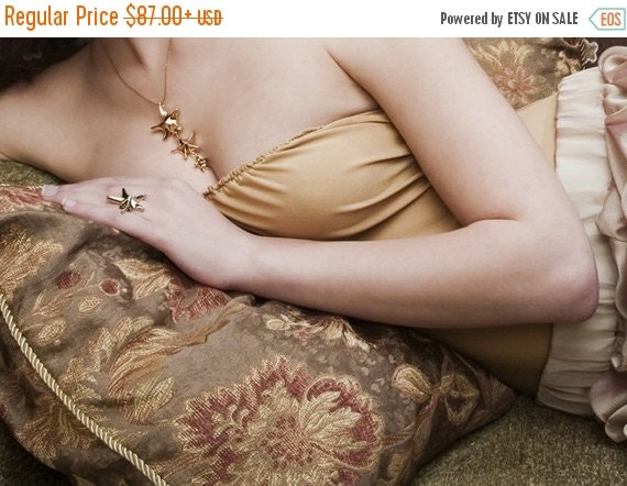 Holiday Sale - Gold Star Necklace, Star Jewelry, Unique Sea Star Necklace,  Strafish Necklace, Beach Wedding Necklace, Starfish Jewelry, Gif