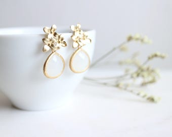 Smokey White Glass Gold Flower Bouquet Post Earrings, Flower Dangle Earrings, Flower Blossom Post Earrings, Wedding Jewelry, Gift for Her.