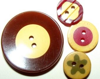 Vintage Buttons 4 Bakelite Cookies