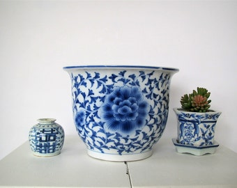 Vintage Asian planter/blue and white/Chinoiserie/ large plant container