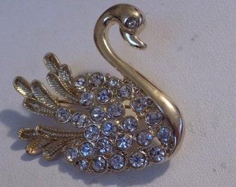 Vintage brooch, crystal filled Swan brooch, bird figural brooch, elegant brooch, vintage jewelry