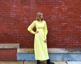 Free Shipping!: Vintage 1970s Little House on the Prairie Floral Paisley Bright Yellow Love Maxi Dress