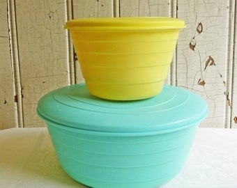 ON SALE Vintage Stanley Flex Bowls - Large Turquoise and Small Yellow Bowls with Lids - Stanley Products - Mid-Century 1950s