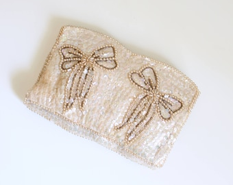 50s iridescent ivory sequined clutch with pearl bows - vintage 1950s beaded bag / 1950s evening bag - sequin clutch / white beaded clutch