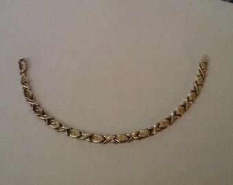 Vintage 10k Gold Bracelet XO Etched Link Beautiful Women's Fine Jewelry
