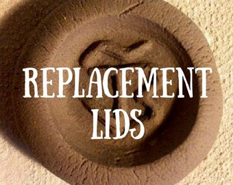 Bove Pottery replacement lid. Available in brown or transparent black. Please specify when ordered.