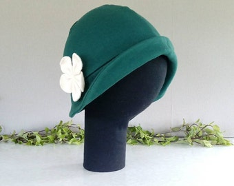 Green brimmed cloche hat with big cream flower - LARGE