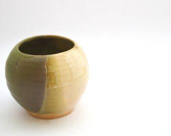 Lil pots for lil plants, Flower pot, Globe pot, Small ceramic flower pot, Succulent globe pot, cacti, plants, Garden