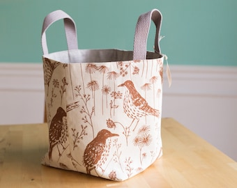 Bucket Tote - Brown Thrasher