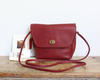 Coach Bag // Crossbody Bag // Coach Quincy Red 9919 Purse Handbag Excellent Condition