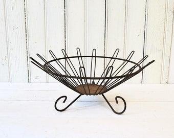 Rusty Metal Bowl - Unique Vintage Wire and Metal Retro Decorative Basket
