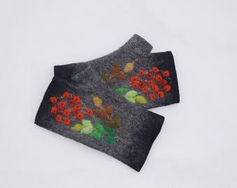 Felted Fingerless Gloves Fingerless Mittens Arm warmers Wristlets Merino Wool Gray Black Rowan