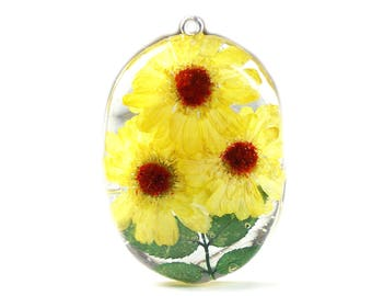 Yellow Daisy Pendant - Real Flower Jewelry - Yellow Flower Pendant - Necklace Charm - Flower Jewelry - Yellow Pendant