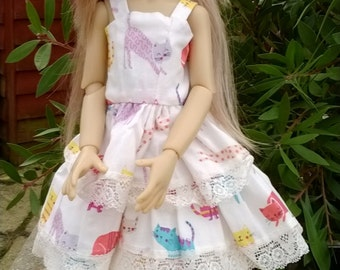 pretty cat tiered dress and hat