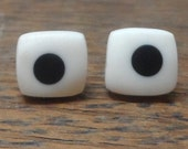 Mini resin studs - nude with black spots