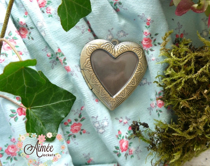 large heart locket, brass locket, photo locket, memory locket, antique bronze locket, victorian locket, vintage locket
