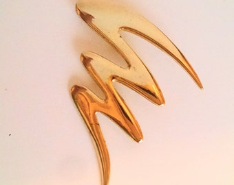 Swoosh Gold Tone Brooch Pin Vintage Jewelry Jewellery Accessory Blazer Jacket Lapel Purse Unsigned Beauty Avante Garde
