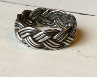 Vintage Sterling Silver Braided Ring. Wide Sterling Band. Eternity Band. Continuous Braided Pattern Ring. Sterling Silver Band. Size 8