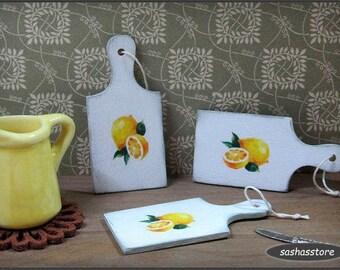 Dollhouse miniature cutting board, miniature kitchen utensil, shabby miniature, 1:12 scale dolls house kitchen accessory