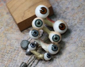 1 Antique Pair of Glass Eyes