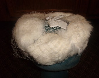 vintage ladies hat white rabbit fur netting bow