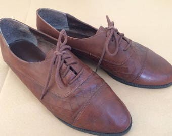Vintage Brown Leather Oxfords ~ Lace-Up Flats ~ Women's Brown Oxfords ~ Sable Brown Flats ~ Size 9
