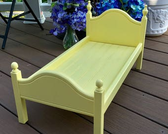 """American Girl Doll: Furniture true yellow 'Lil Elena bed for 18"""" doll"""